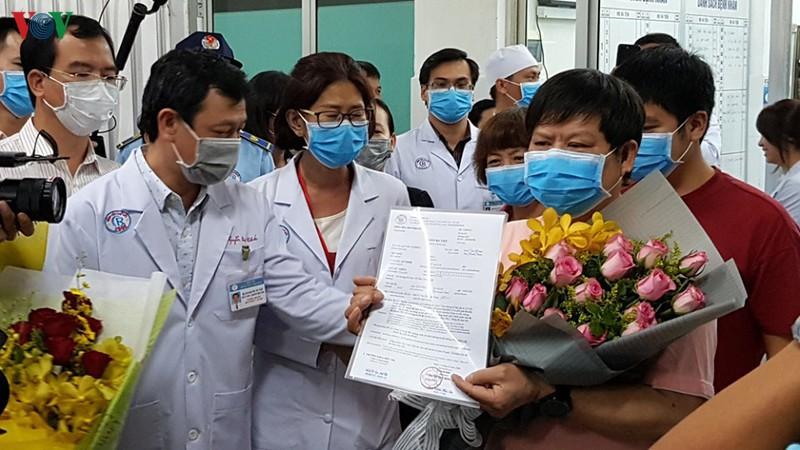 21 ngày chữa khỏi Covid-19 cho 2 bệnh nhân Trung Quốc tại BV Chợ Rẫy