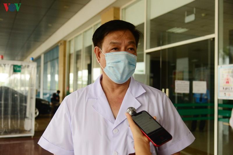 10h sáng nay, cô gái mắc Covid-19 đầu tiên ở Hà Nội (BN17) ra viện