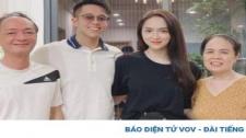 Chuyện Showbiz: Matt Liu Tặng Bố Mẹ Hương Giang Bánh Trung Thu Dù Đã Qua Rằm Tháng 8