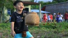 Dở Khóc Dở Cười Với Những Tai Nạn Hài Hước Của Các Bé