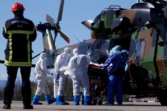 Covid-19: Tây Ban Nha gần 1.000 người chết trong 1 ngày, Mỹ tiếp tục lập kỷ lục ca mắc mới
