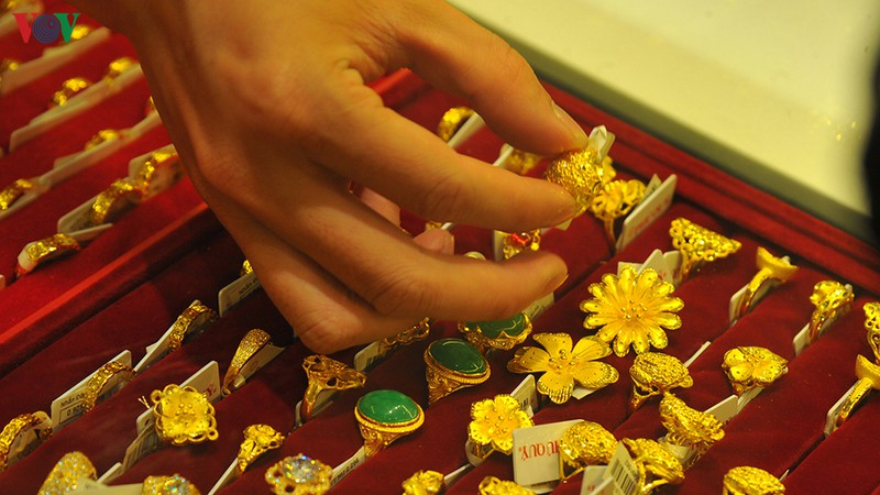 Giá vàng SJC tăng gần 1 triệu đồng, tiến sát 47 triệu đồng/lượng